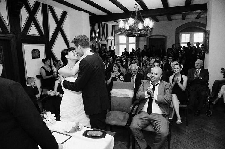Hochzeitsportraits nah Emmendingen, Reportage Standesamt